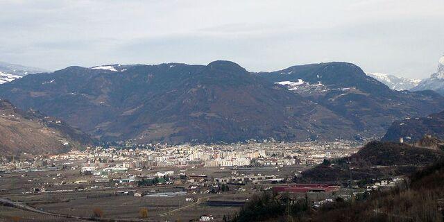 File:Bolzano.jpg