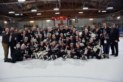 2017 Dudley Hewitt Cup champs Trenton Golden Hawks