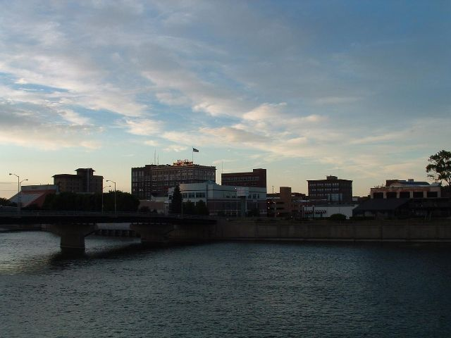 File:Waterloo, Iowa.jpg