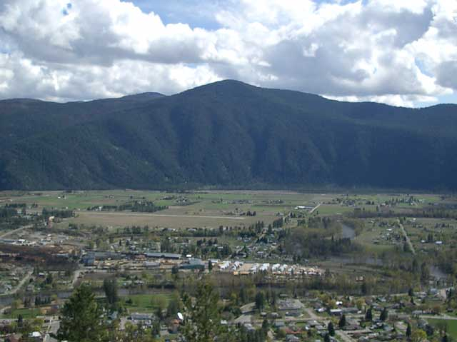 File:Grand Forks, British Columbia.jpg