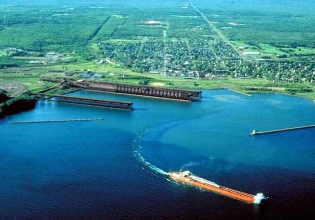 File:Two Harbors, Minnesota.jpg