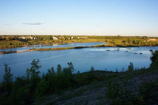File:East St. Paul, Manitoba.jpg