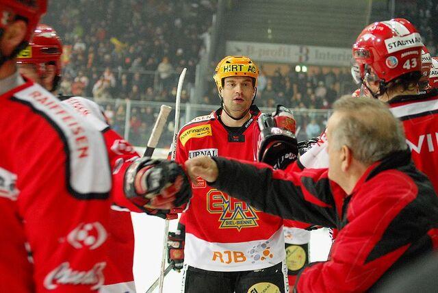 File:20071228 EHCB vs La-Chaux-de-Fonds-Marko Tuomainen.jpg