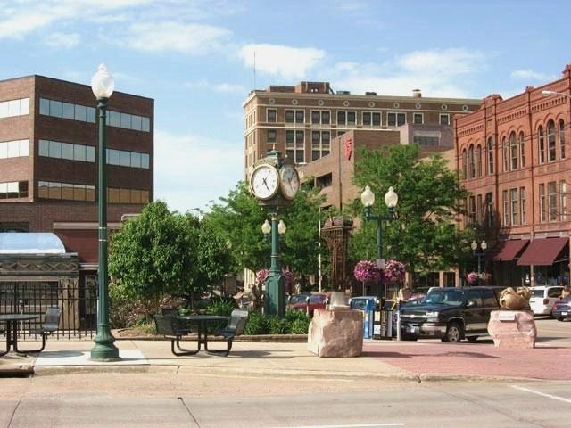 File:Sioux Falls, South Dakota.jpg