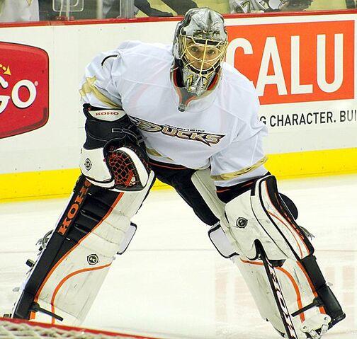 File:Jonas Hiller Ducks 2012-02-15.JPG
