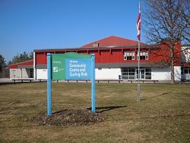 File:Almonte Community Centre.jpg