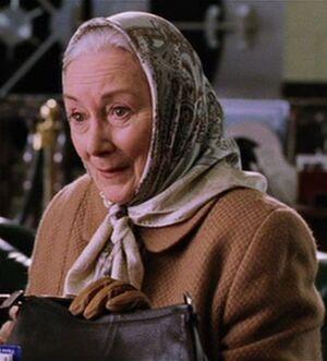 Aunt May (Rosemary Harris)