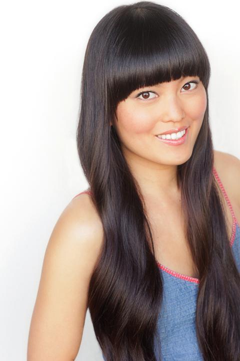 Hana Mae Lee  - 2018 Black hair & chic hair style.