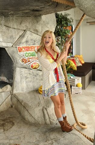 File:Olivia Holt with a Rope.jpg