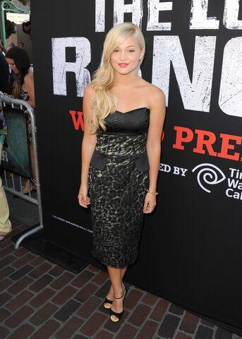 File:Olivia with a Dark Dress.jpg