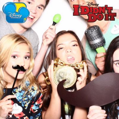 File:Cast Party Photo (3).png