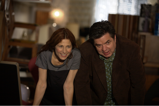 File:Catherine Keener and Oliver Platt in Please Give.png