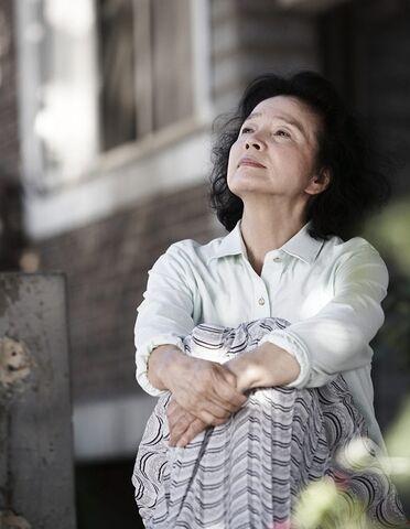 File:Yun Jung-hee in Poetry 2.jpg