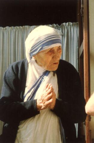 File:Mother Teresa.jpg