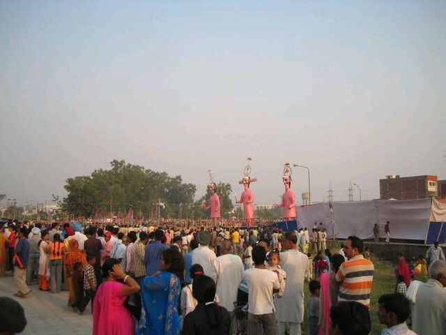 File:TYPICAL Dussehra Celebrations 02 Oct 2006.jpg