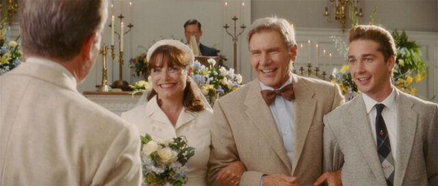 ファイル:Indy marion wedding.jpg