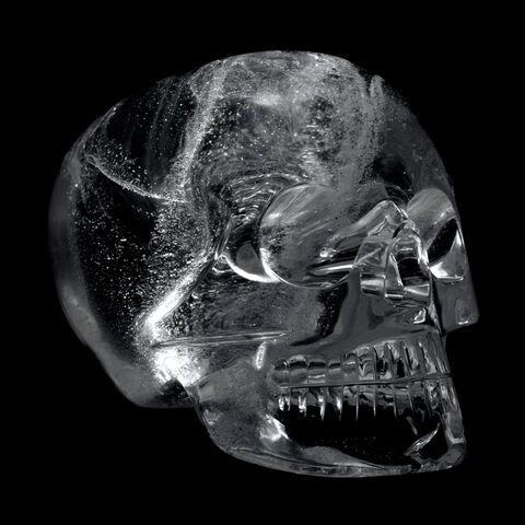 File:Crystal skull (british museum).jpg