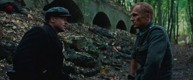 File:Aldo Raine talks to Werner with his hat on.jpg