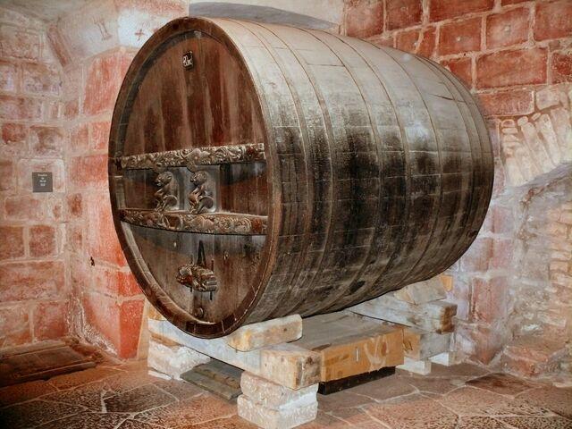File:Giant beer barrel inside Haut-Koenigsbourg castle.jpg
