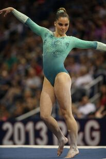 Mckayla-maroney-at-2013-p-g-usa-gymnastics-national-championships 4