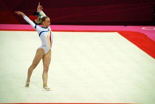 Women gymnastics olympics 2012 sandra izbasa 01