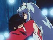 Inu-hugs-Kikyo