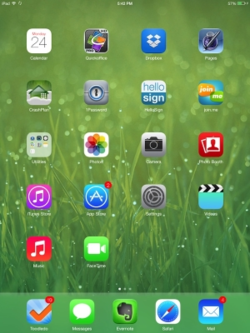 File:IOS 7 Home Screen (1).png