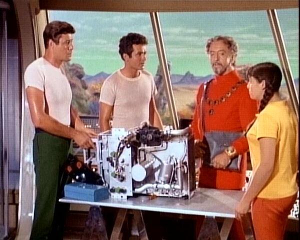 File:John, don, sesmar and penny in the jupiter 2.jpg
