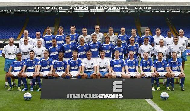 File:Squad 2010-11.jpg