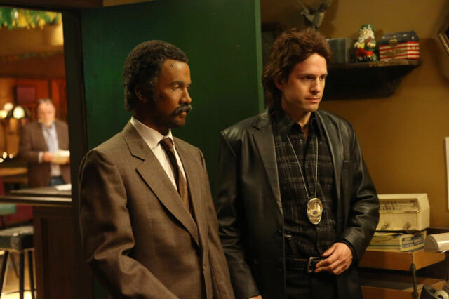File:9x09 The Gang Makes Lethal Weapon 6 - 3.jpg