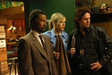 9x09 The Gang Makes Lethal Weapon 6 - 6