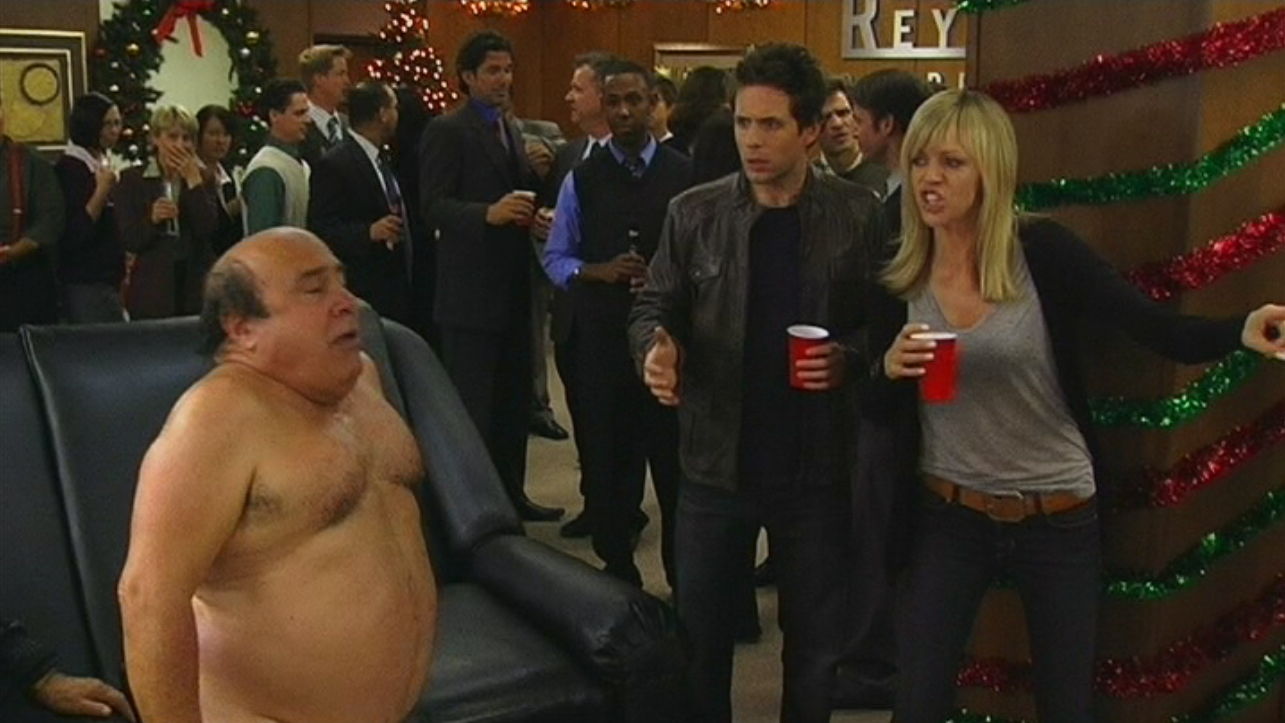 Image - A Very Sunny Christmas (23).png | It's Always Sunny in ...