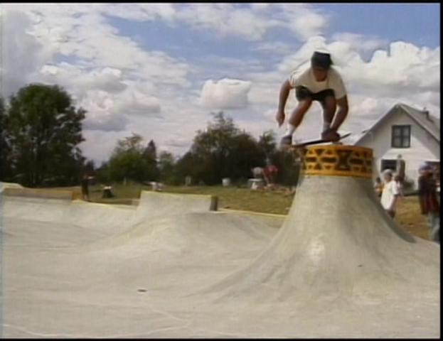 File:Skateboard Spin.png