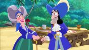 Hook&Mama Hook-Captain Scrooge10