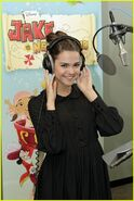 Maia-mitchell-wendy-jake-pirates-02