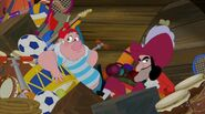 Hook&Smee-The Elephant Surprise!