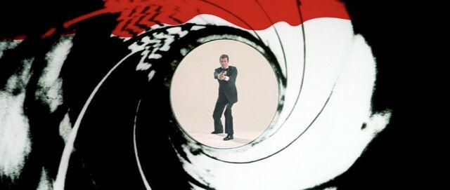 File:Octopussy - Gun Barrel.jpg