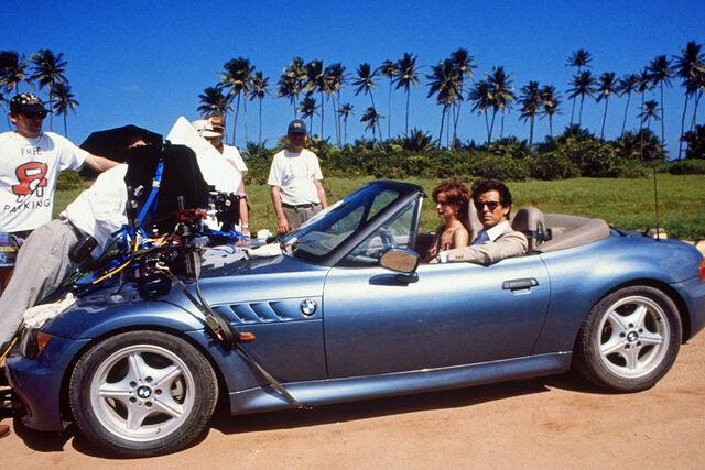File:GoldenEye - BMW Z3 with Pierce Brosnan during filming.jpeg