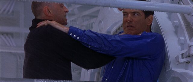 File:The World is Not Enough - Renard smashes 007 against the reactor.jpg