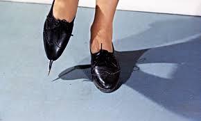 File:Rosa Klebb's poisoned blade shoe.jpg