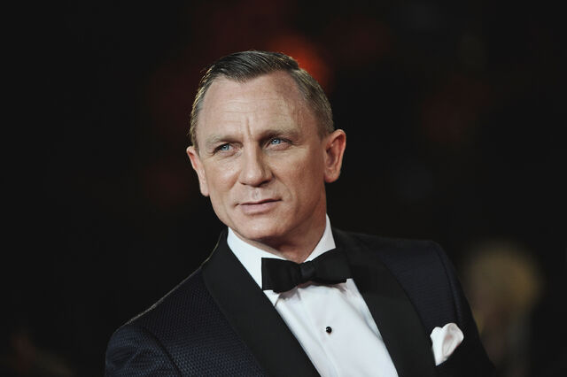 File:Spectre-review-06nov15-06.jpg
