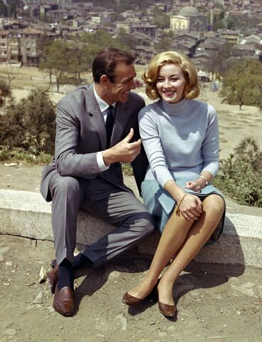 File:Sean Connery and Daniela Bianchi (promotional photo) (1).jpg