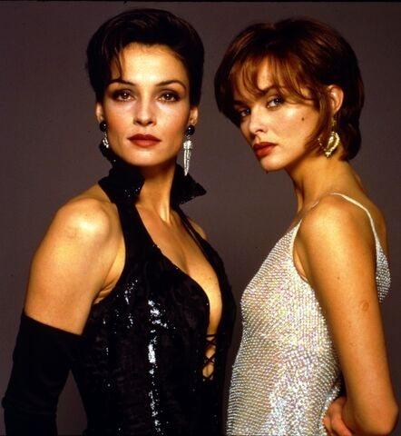 File:GoldenEye Girls.jpg