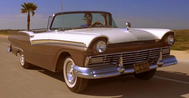 File:Ford Fairlane (Die Another Day).png