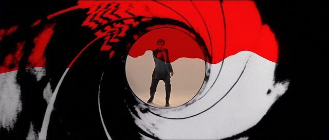 File:Licence to Kill - Gun Barrel.jpg