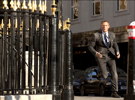 File:Skyfall02.png