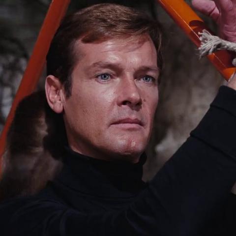 File:James Bond (Live and Let Die) - Profile.png