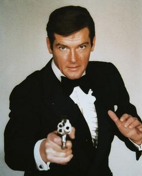 Bond - Roger Moore - Profile.png