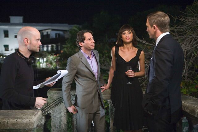 File:Quantum of Solace - Marc Forster with Daniel Craig, Olga Kurylenko and Mathuey Amalric.jpg