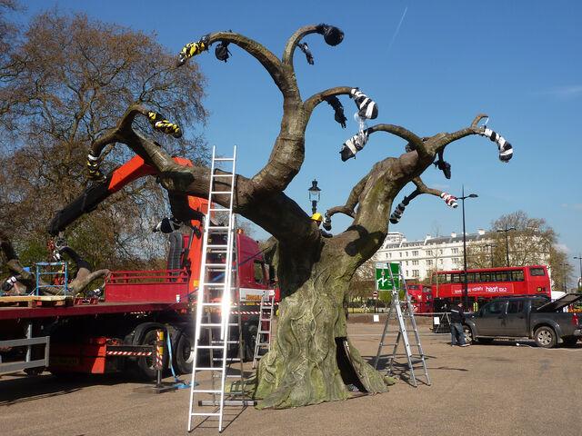 File:Avatar-1-event-gbr-tree-7.jpg